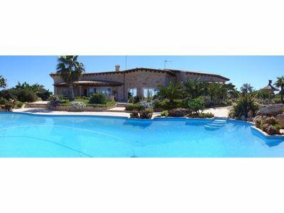Jede Ecke von Mallorca hat die Schonheit  die nur das Paradies bieten kann  in Cap des Moro  eine kleine Bucht mit turkisblauem und kristallklarem Wasser  wo