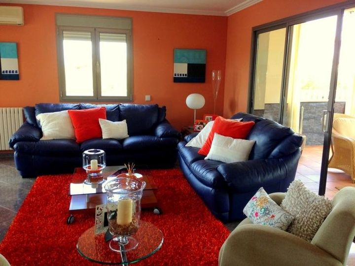 This modern style home is located in the quiet residential area of Sa Coma, a suburb of Cala Millor, where numerous bars, nightclubs, restaurants, chic holiday