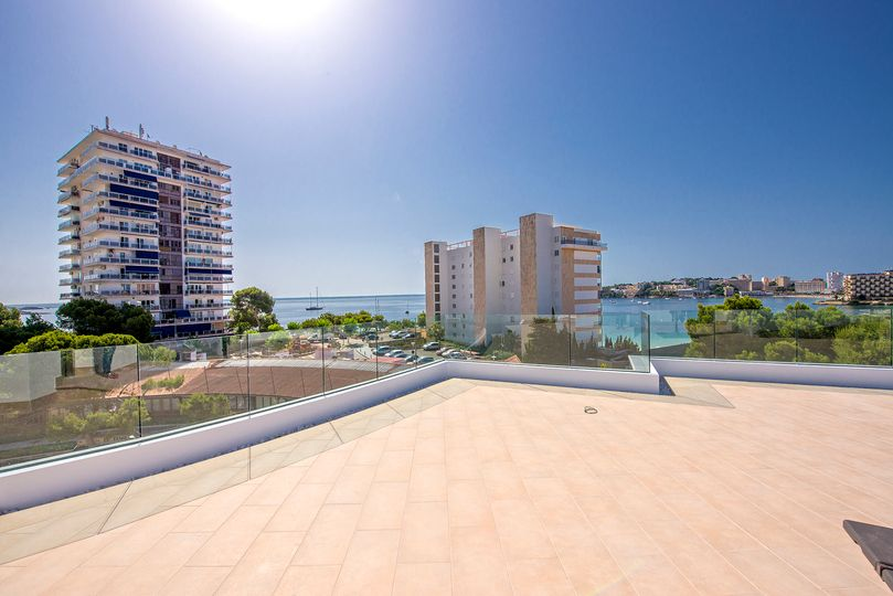 These new built apartments are located just off the beach in second sea line in Palmanova and will be completed in the summer 2016