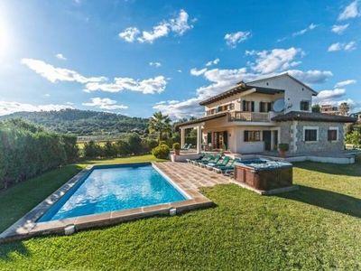 Villa Finca Son Rasca liegt auf einem grosen Grundstuck von uber 9