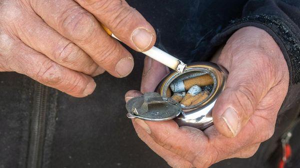 Bundestag erhöht Tabaksteuer und gewährt mehr Rechte auf Kaffeefahrten