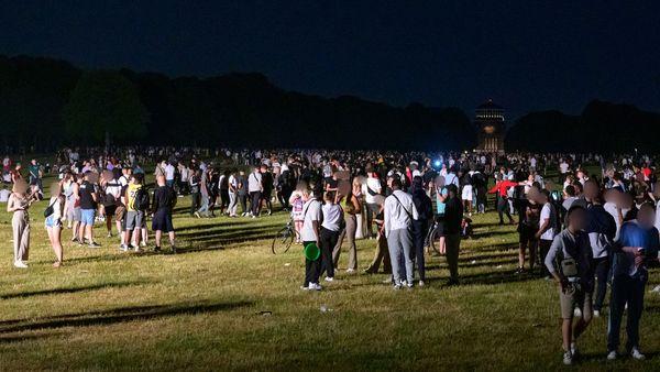 Polizei löst Party mit 4000 Menschen im Hamburger Stadtpark auf