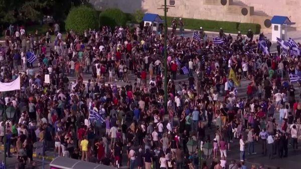 Polizei löst Anti-Impfpflicht-Protest in Athen auf