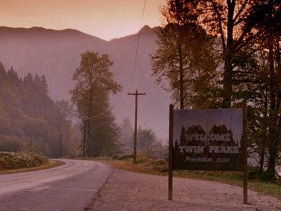 watch Twin Peaks streaming