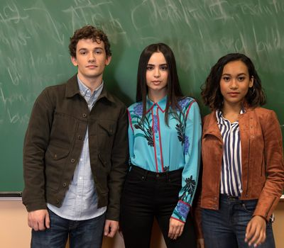 Pretty Little Liars: The Perfectionists online
