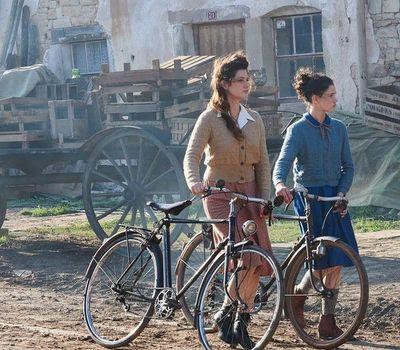 The Fantastic Journey of Margot & Marguerite online