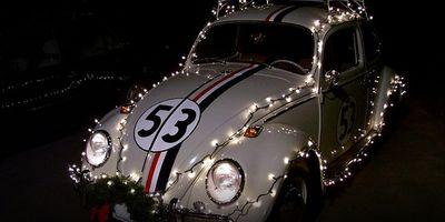Staring at Festive Herbie for 90 Minutes en streaming