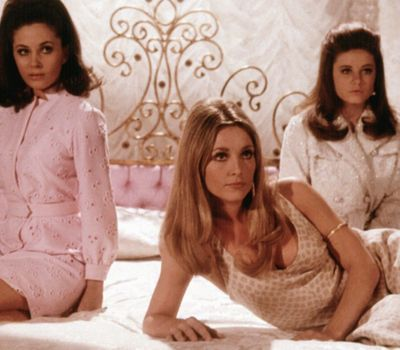 Valley of the Dolls online