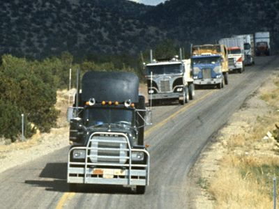 watch Convoy streaming
