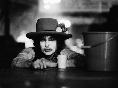 watch Rolling Thunder Revue: A Bob Dylan Story by Martin Scorsese streaming