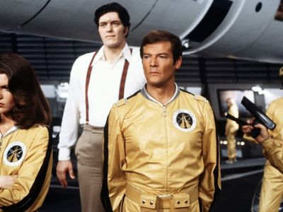 watch Moonraker streaming