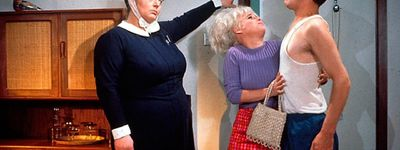 Carry On Matron online