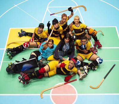 The Hockey Girls online