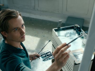 watch Never Look Away streaming