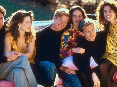 watch Mystic Pizza streaming