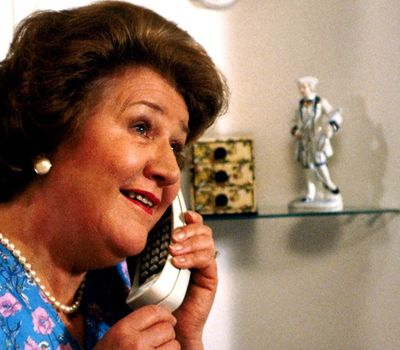 Keeping Up Appearances online