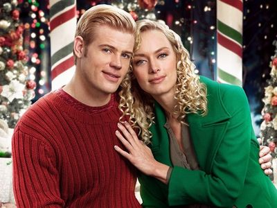watch Marry Me at Christmas streaming