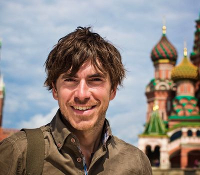 Russia with Simon Reeve online
