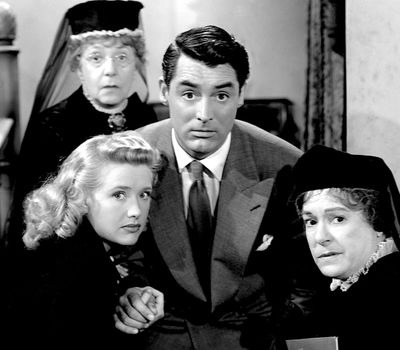 Arsenic and Old Lace online