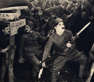The Chaplin Revue online