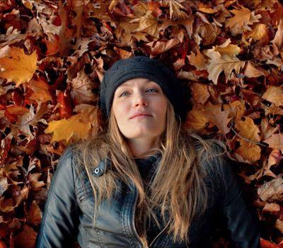 April in Autumn online