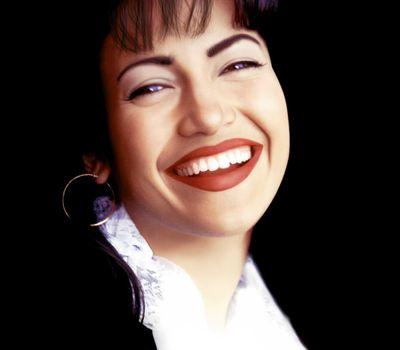 Selena online