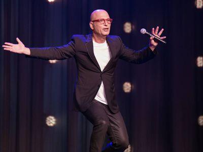 watch Howie Mandel Presents Howie Mandel at the Howie Mandel Comedy Club streaming