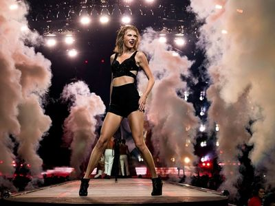 watch Taylor Swift: The 1989 World Tour - Live streaming