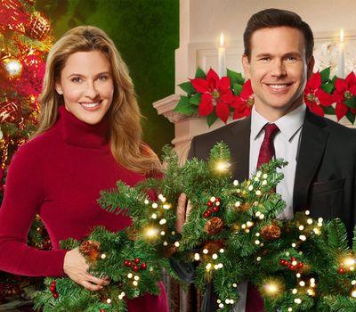 Christmas Wishes & Mistletoe Kisses online