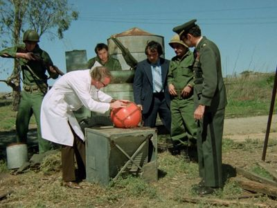 watch Attack of the Killer Tomatoes! streaming