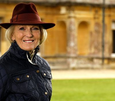 Mary Berry's Country House Secrets online