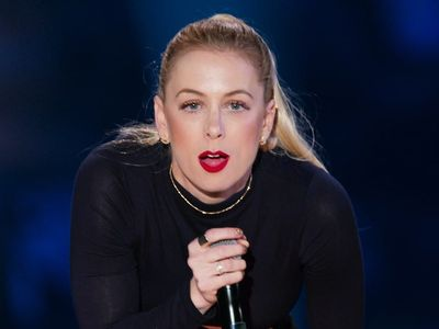 watch Iliza Shlesinger: Elder Millennial streaming