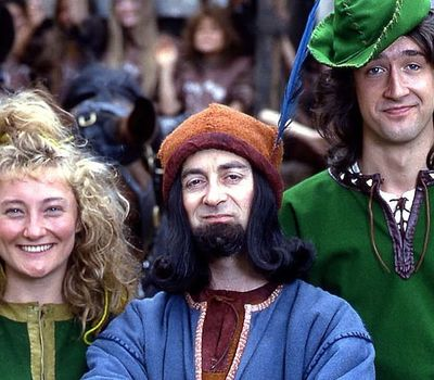 Maid Marian and Her Merry Men online