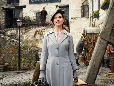 watch The Guernsey Literary & Potato Peel Pie Society streaming
