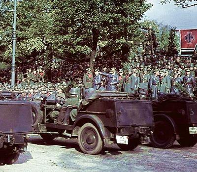 World War II In HD Colour online