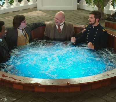 Hot Tub Time Machine 2 online