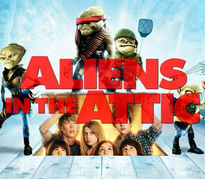 Aliens in the Attic online