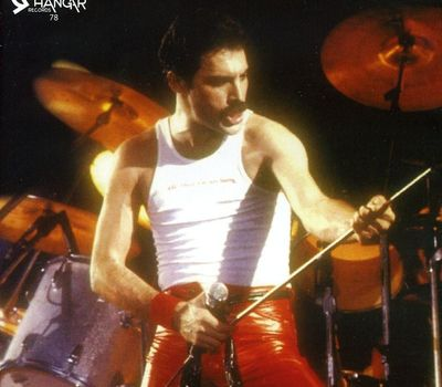 Queen - Under Review 1946-1991: The Freddie Mercury Story online
