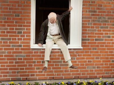 watch The 100 Year-Old Man Who Climbed Out the Window and Disappeared streaming