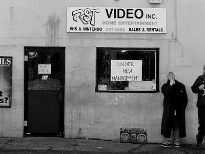 watch Clerks streaming