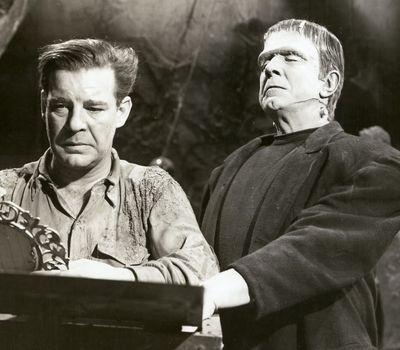 Frankenstein Meets the Wolf Man online