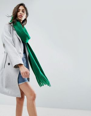 ASOS Long Tassel Scarf in Supersoft Knit - Green