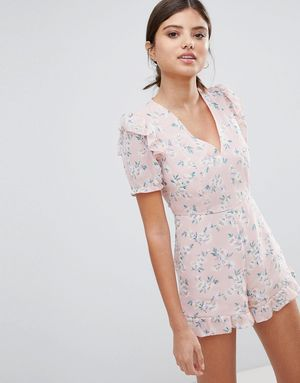 PrettyLittleThing Ruffle Hem Floral Playsuit - Pink