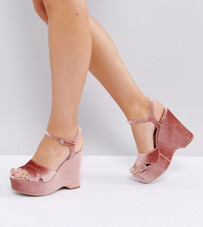 New Look Wide Fit Velvet Platform Wedge Sandal - Pink