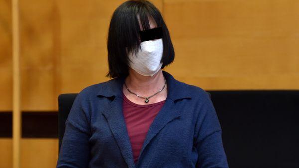 Prozess in Bielefeld: Bot diese Mutter ihre Tochter (8) zum Sex an?
