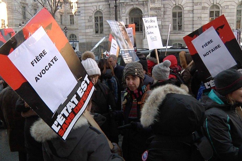 Juristes de l'État: compte à rebours de l'ultime négociation   Lia Lévesque   National