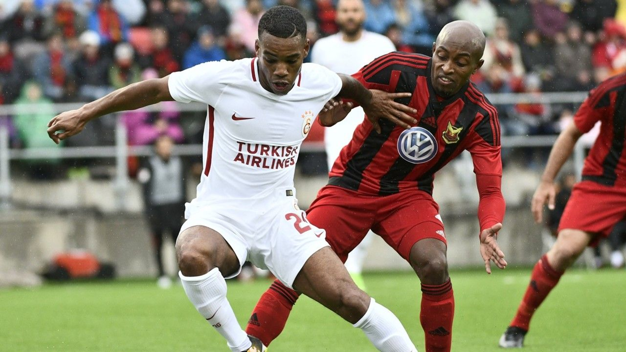 https://images.performgroup.com/di/library/GOAL/aa/b8/garry-rodrigues-of-galatasaray-fouad-bachirou-of-ostersund_x0bmpol9duyd1d9pn2cy5yrax.jpg?t=-2038049379&quality=90&w=1280