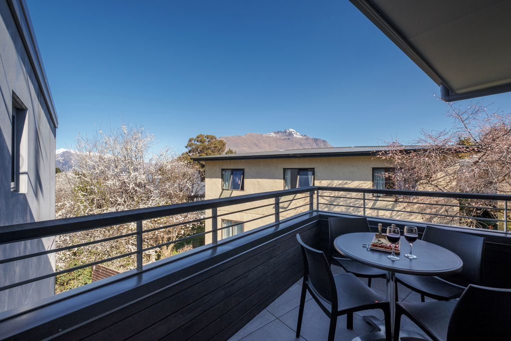 89/11A Southern Alps Apartment
