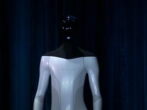 Dal robot umanoide al superchip, tutte le (stravaganti) novità presentate da Elon Musk