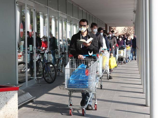 Gli italiani lavano mani 11 6 volte giorno 90 usa mascherina